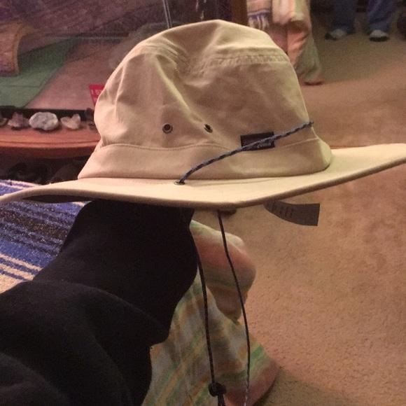 aba6327fc41d4 Patagonia Tenpenny hat. M 5a8377582ab8c5e3acb46388